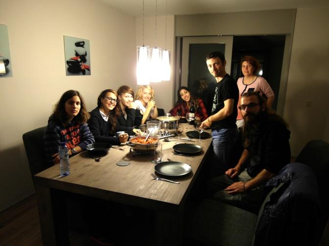 Jeden z nejvic skupinovych Couchsurfingu - hostovat 8 zahranicnich dobrovolniku v baraku, kde bydlim sam, to chce kuraz - ale bylo to super!
